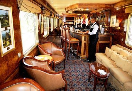 CIZ-Travel RogersTrainInside-Blue-train
