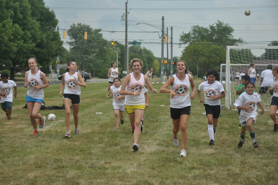 At camp warming up – From left: Allison Higgs, Michelle Hoppe, Rachael Fiege, Dara Sturgess.