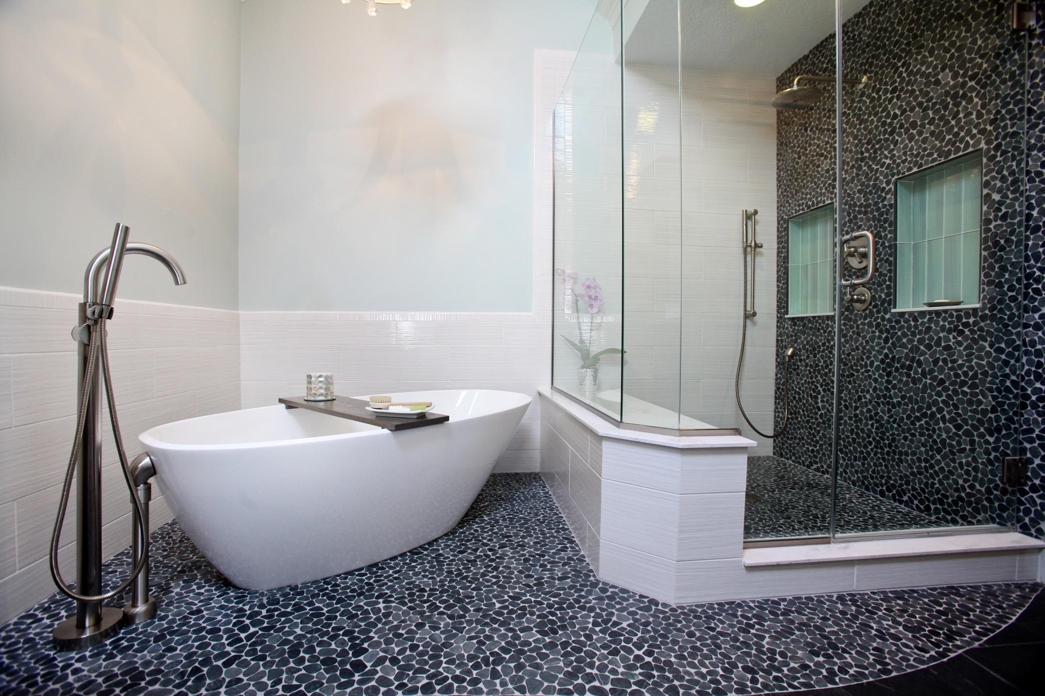 Column Master Bath Design With Resale In Mind Current Publishing