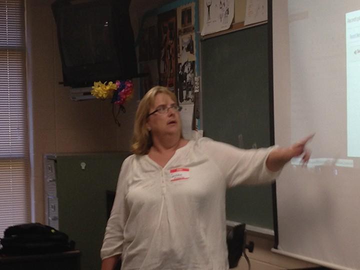 ZCHS biology teacher Susan Talbert leads a workshop at CanvasCon. (Photo by Mark Ambrogi)
