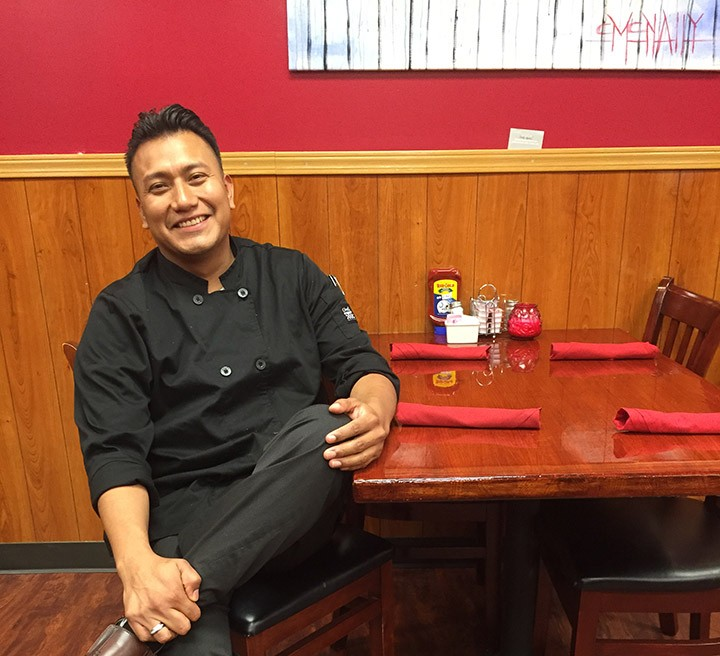 Alberto Rodriguez, manager of Michelle's. (Photo by Anna Skinner)