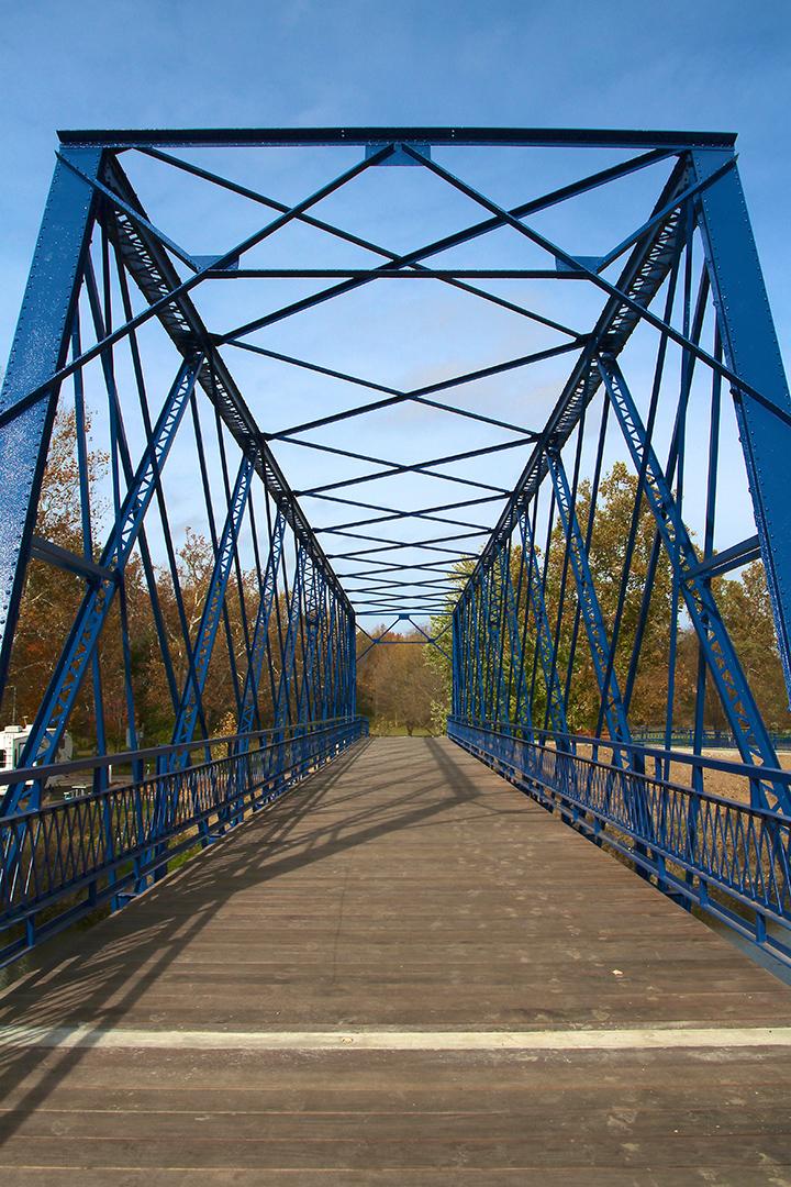 A view looking west down Washington County Bridge No. 113. (Photo by Sadie Hunter)