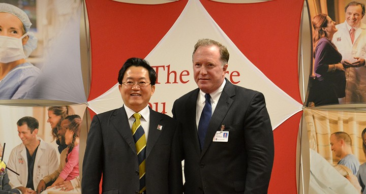 Dr. Xu Shugiang and IU Health North CEO Jon Goble (right). (Submitted photo)